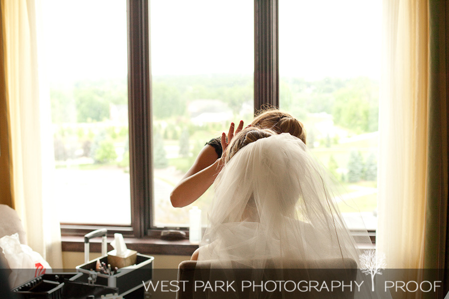 wed kelly eric3 Kelly & Eric at The Inn at St. Johns, Plymouth, MI | MI Wedding Photographers