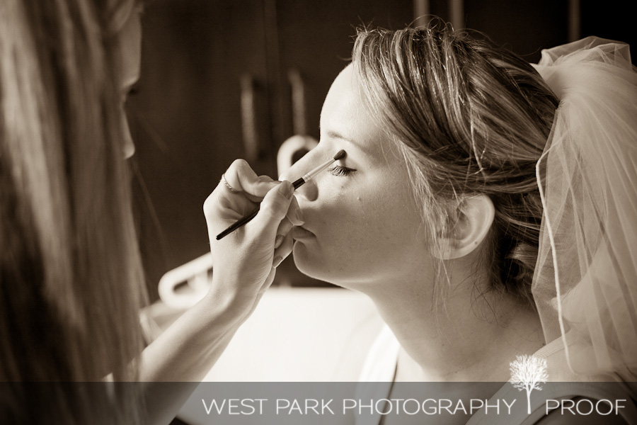 wed kelly eric5b Kelly & Eric at The Inn at St. Johns, Plymouth, MI | MI Wedding Photographers