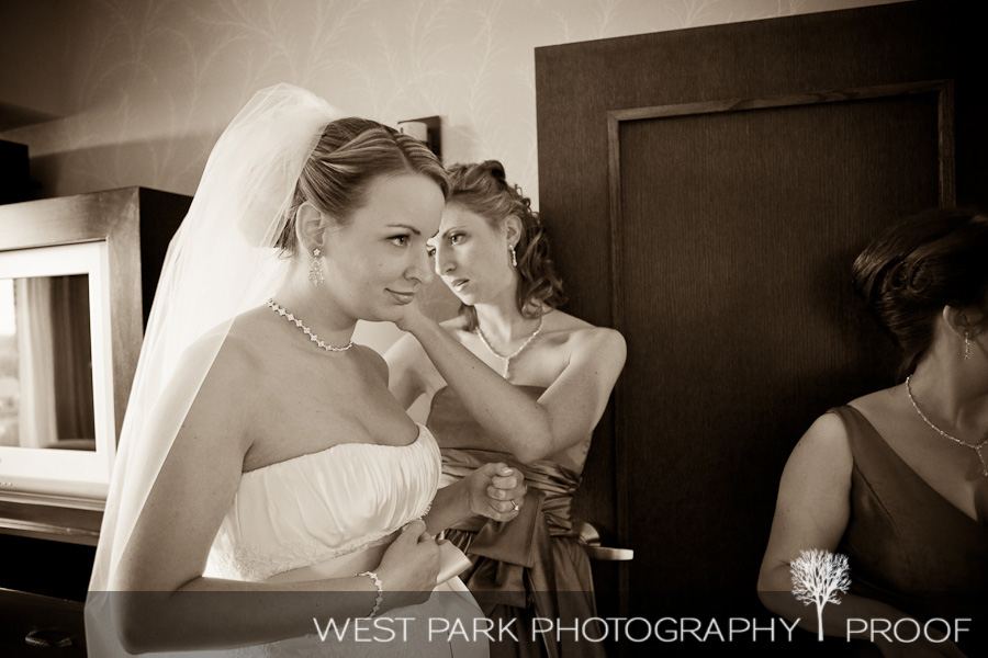 wed kelly eric6 Kelly & Eric at The Inn at St. Johns, Plymouth, MI | MI Wedding Photographers