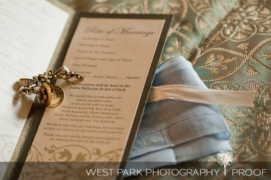 wed kelly eric6b Kelly & Eric at The Inn at St. Johns, Plymouth, MI | MI Wedding Photographers